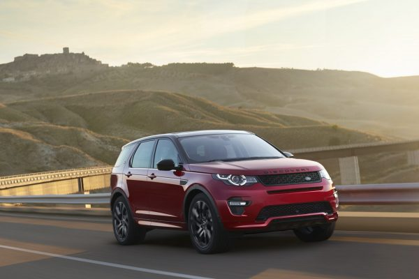 2016_land_rover_discovery_sport_dynamic_4_1600x1200