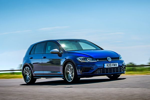 2018_volkswagen_golf_r_performance_pack_uk_1_1600x1200